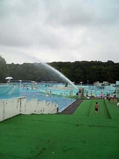 一万人プール